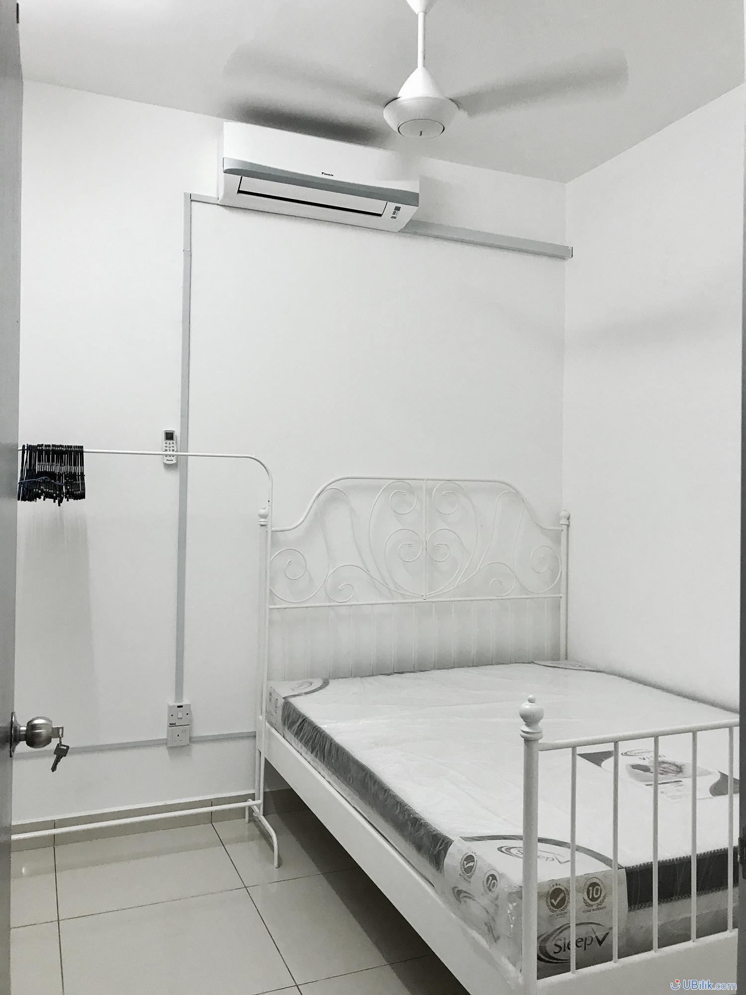 FFurnished Medium Room at You Vista Cheras 3 min walking to MRT Suntex KL Sentral Velocity BBintang ubilik room hostel rental_02